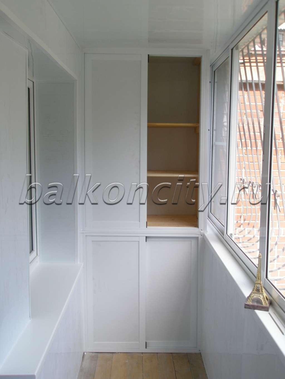 Шкаф из металлопластика на балкон.